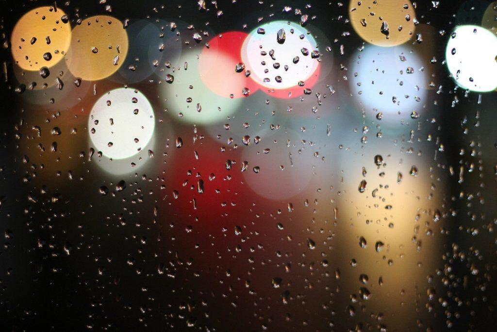 田舎が嫌いな私が伝えたい、閉鎖的な人間関係から逃げた話。 雨